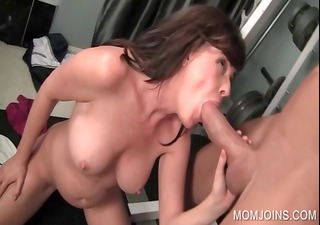 cougar giving oral for fuck