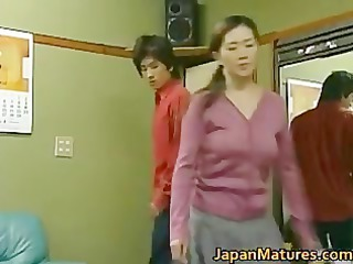 japanese older woman is a girl part3